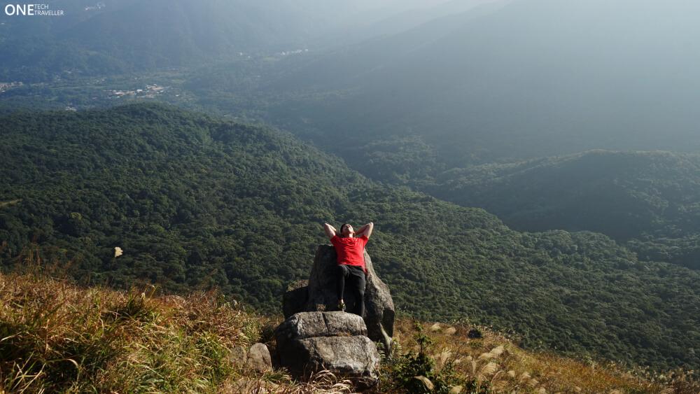 KYDRA ESSENTIAL TEE REVIEW ONE TECH TRAVELLER HIKING HONG KONG rest