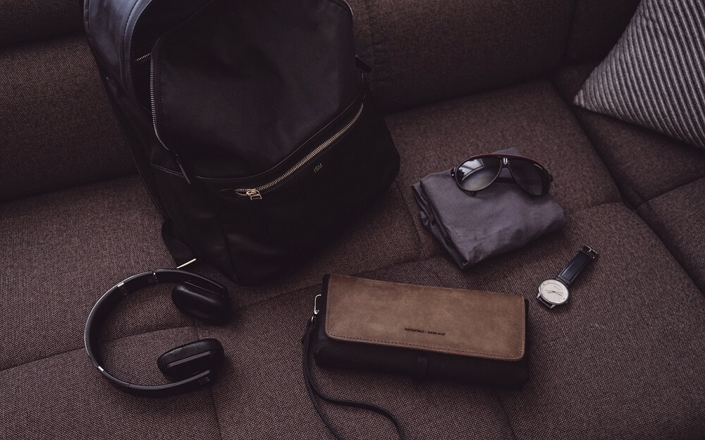 321403815bdfb ISM CLASSIC BACKPACK REVIEW ONE TECH TRAVELLER LOAD