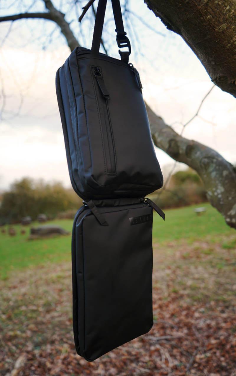 GRAVEL TOILETRY BAG REVIEW ONE TECH TRAVELLER HANG REAR 395f8ed8167b6
