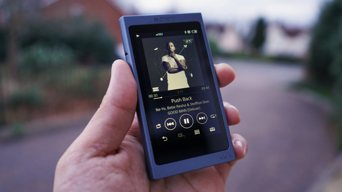 SONY NW-A45 WALKMAN REVIEW ONE TECH TRAVELLER HERO