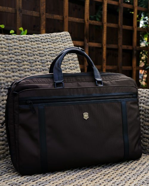 Victorinox Werks Professional 2 0 Two Way Carry Bag