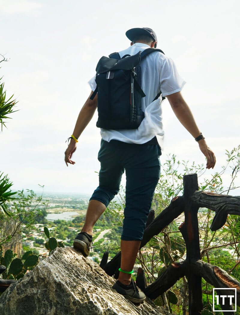 VICTORINOX ALTMONT ORIGINAL FLAPOVER BACKPACK REVIEW ONE TECH TRAVELLER LIFESTYLE