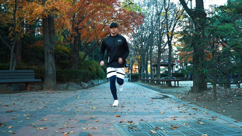 ON RUNNING CLOUD REVIEW ONE TECH TRAVELLER RUN