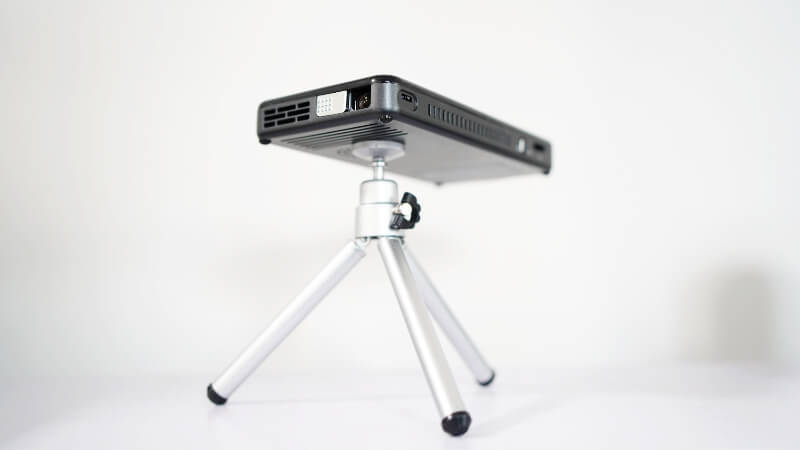 PRIMA X2 PROJECTOR PREVIEW ONE TECH TRAVELLER TRIPOD