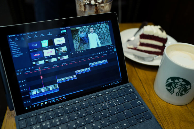 SURFACE GO SOFTWARE ONE TECH TRAVELLER VIDEO EDITING