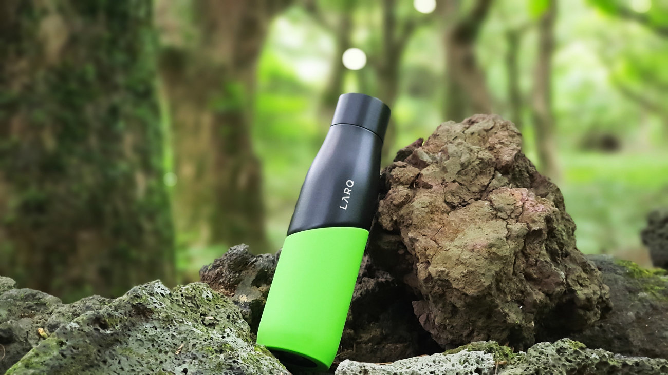 LARQ BOTTLE MOVEMENT REVIEW ONE TECH TRAVELLER HERO
